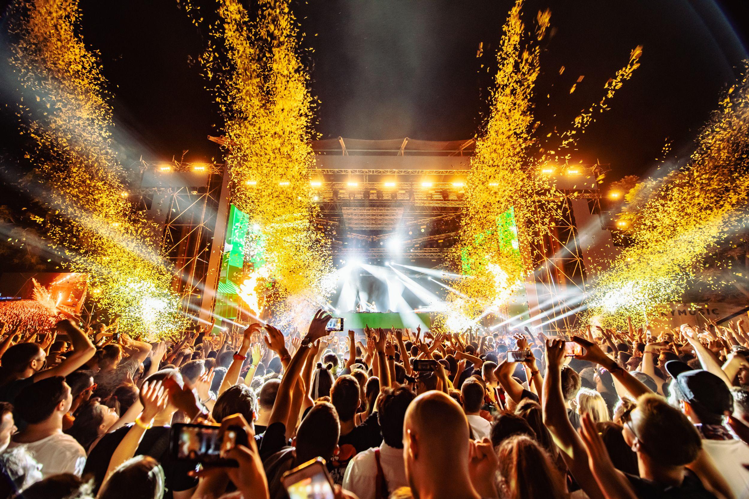 180 000 фенове отпразнуваха живота заедно, тъй като фестивалът EXIT в Сърбия стана първият голям европейски фестивал, който се проведе това лято